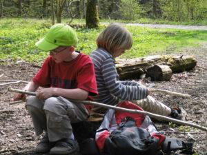Ferienprogramm: Flitzen und Schnitzen @ 82205 Gilching, Erlebnisbaumschule am Steinberg